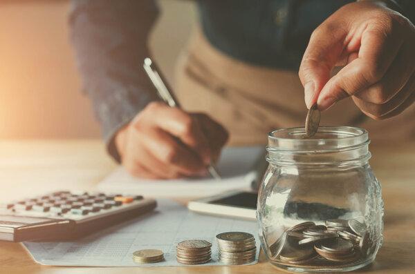 Låna med en medsökande så blir det enklare att bli beviljad lånet.